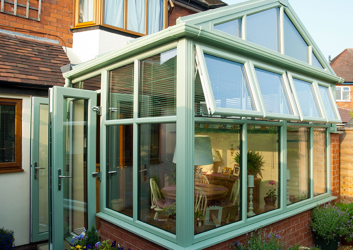 Conservatory or Orangery? Which One To Choose?